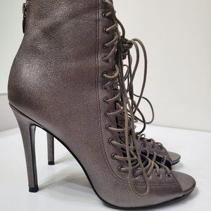 KENDALL & KYLIE LACE UP BOOTIE size 8